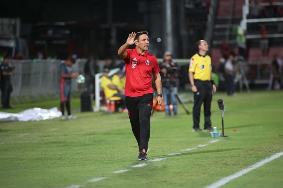 Zé Ricardo não economizou nas substituições (Foto: Gilvan de Souza/Flamengo)