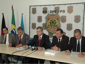 Major da PM e delegados estão entre presos de operação da PF na Paraíba (Foto: André Resende/G1)