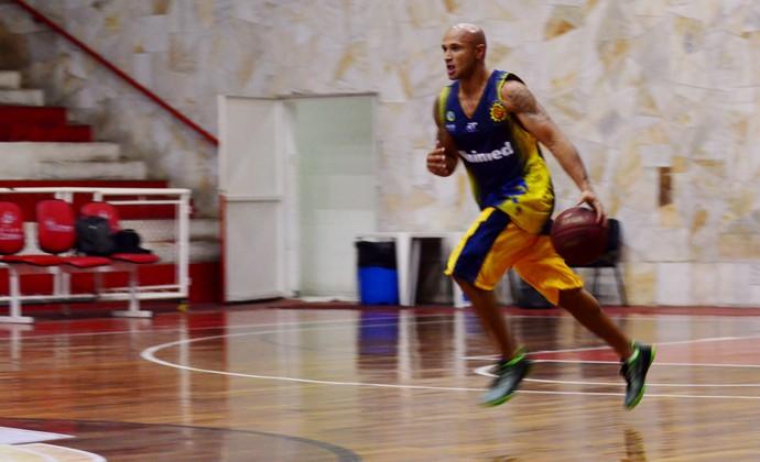 Andre Laws São José Basquete (Foto: Danilo Sardinha/GloboEsporte.com)