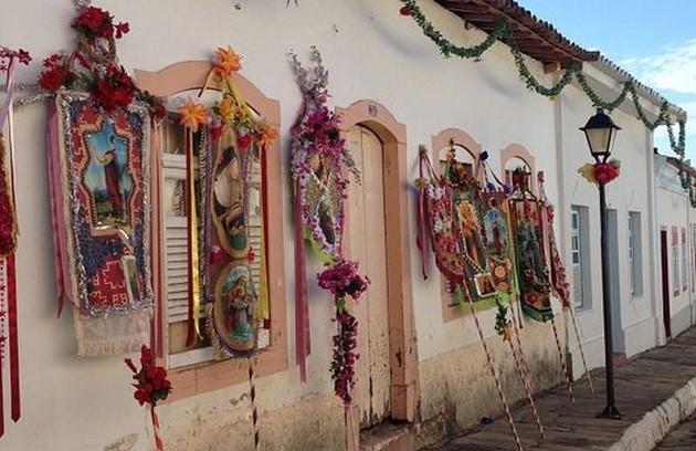 O casario de Goiás Velho recebe a decoração para as primeiras gravações (FOTO: Arquivo pessoal)