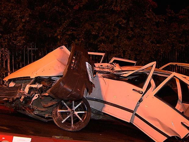 Pelo menos duas pessoas ficam feridas em acidente no Rio Vermelho (Foto: Reprodução/ TV Bahia)