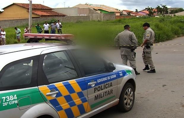 Comerciante é morto após tentativa de assalto à lava a jato, em Aparecida de Goiânia, Goiás (Foto: Reprodução/TV Anhanguera)