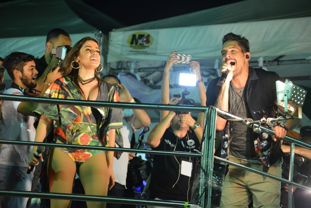 Anitta e Felipe Pezzoni, da Banda Eva (Foto: Felipe Souto Maior / Agnews)