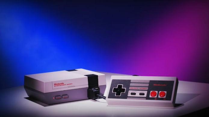NES Classic tem o mesmo visual do original, mas em tamanho mini (Foto: Divulgação/Nintendo)