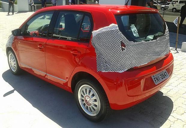 VW up! camuflado foi apresentado aos concessionários em São Paulo (Foto: Leandro Alvares/Autoesporte)