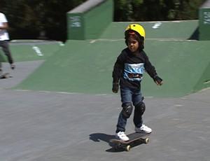 Davi Cota skatista de BH participa do  Campeonato Mineiro de Skate #VempraPista em Divinópolis (Foto: Reprodução/TV Integração)