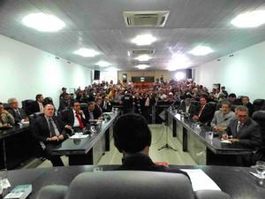 Votação projeto da feira da Sulanca na Câmara de Vereadores de Caruaru (Foto: Joalline Nascimento/ G1)