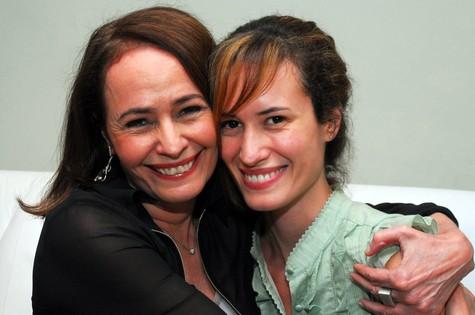 Renée com a filha Mariana, roteirista de cinema e TV (Foto: Arquivo O Globo)