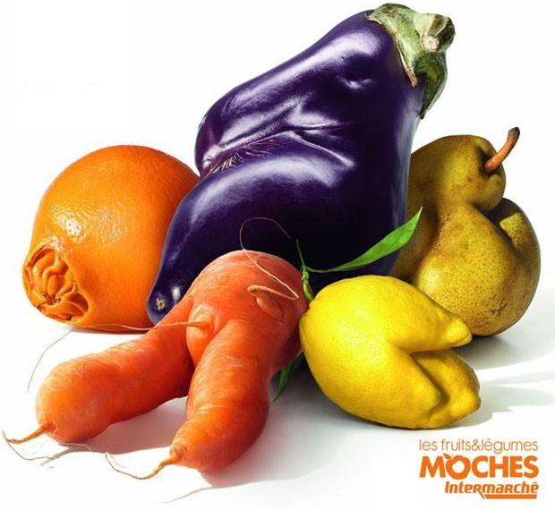 A rede Intermarché adotou a ideia de vender legumes, frutas e verduras 'moches' ou feias  (Foto: Intermarché)
