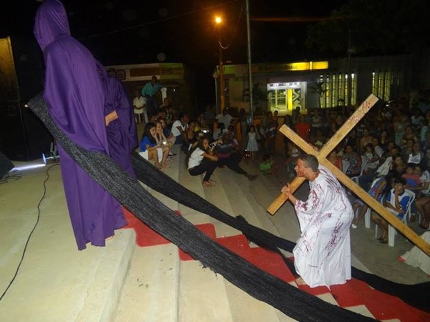 Apresentação lírica encena Paixão de Cristo (Foto: Reprodução/ Facebook)