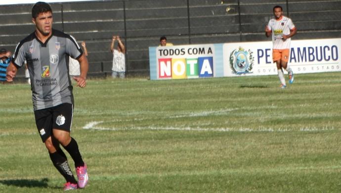 Candinho, atacante do Central (Foto: André Ráguine / GloboEsporte.com)