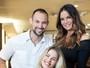 Luiza Brunet e Yasmin clareiam cabelos juntas em dia de salão