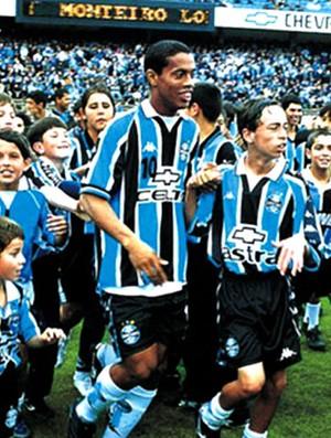 4e8c937070 Na Memória  Ronaldinho Gaúcho faz