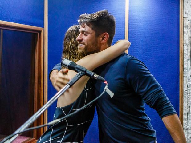 Alejandro Claveaux e Nathalia Dill são pura parceria em dia musical (Foto: Artur Meninea/ Gshow)