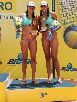 Dudá e Tainá ficaram com o bronze (Foto: Divulgação/CBV)