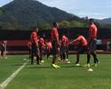 Guerrero volta a treinar com o time e confirma presença contra o Inter