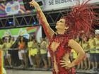 Prefeito do Rio arrisca 'passinho' durante desfile na Boa Vista, no ES