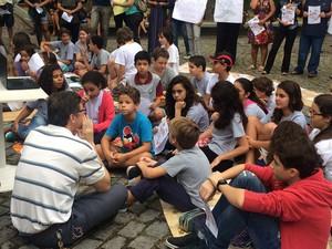 Alunos do CAP receberam aulas sobre dengue e revolta da vacina (Foto: Matheus Rodrigues/G1)