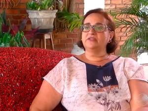 Aposentada Regina Miranda cedeu casa para estudante continuar tratamento (Foto: Reprodução/TV Bahia)