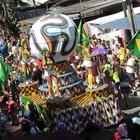 Os Irresponsáveis estica a folia no Recife (Luna Markman / G1)