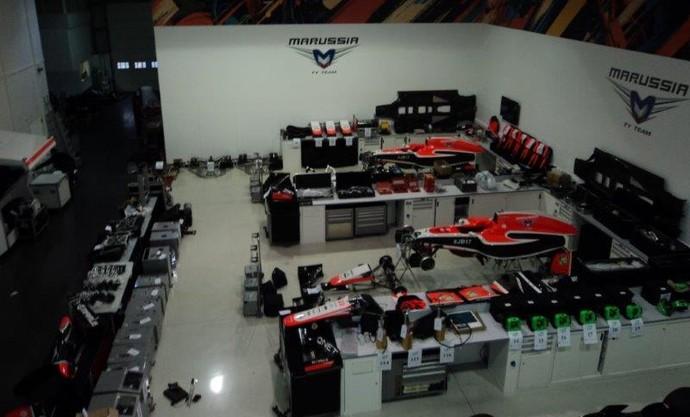 Equipamentos da Marussia na fábrica (Foto: Divulgação)