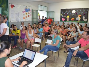 Pais estão colhendo assinaturas para abaixo assinado (Foto: Semed/ Divulgação)