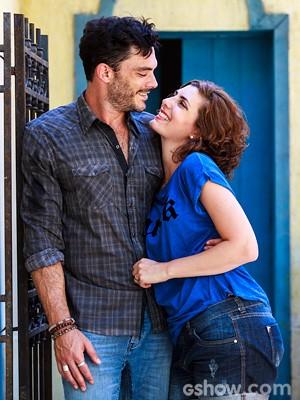 O ator posa ao lado da esposa, Bruna Anauate (Foto: Ellen Soares / TV Globo)