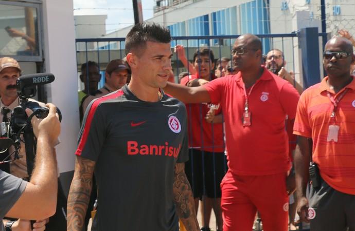 Cuesta reforço do Inter (Foto: Tomás Hammes/GloboEsporte.com)