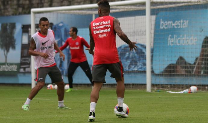 Léo é uma das atrações do Inter contra o Juventude (Foto: Diego Guichard)