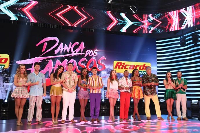 Time masculino se apresentaram no forró no Dança dos Famosos' (Foto: Carol Caminha/Gshow)