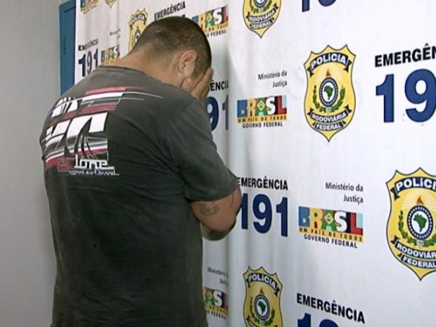 Homem é condenado por assassinato e tráfico de drogas e havia fugido da cadeia há dois anos. (Foto: Reprodução/TV Gazeta)