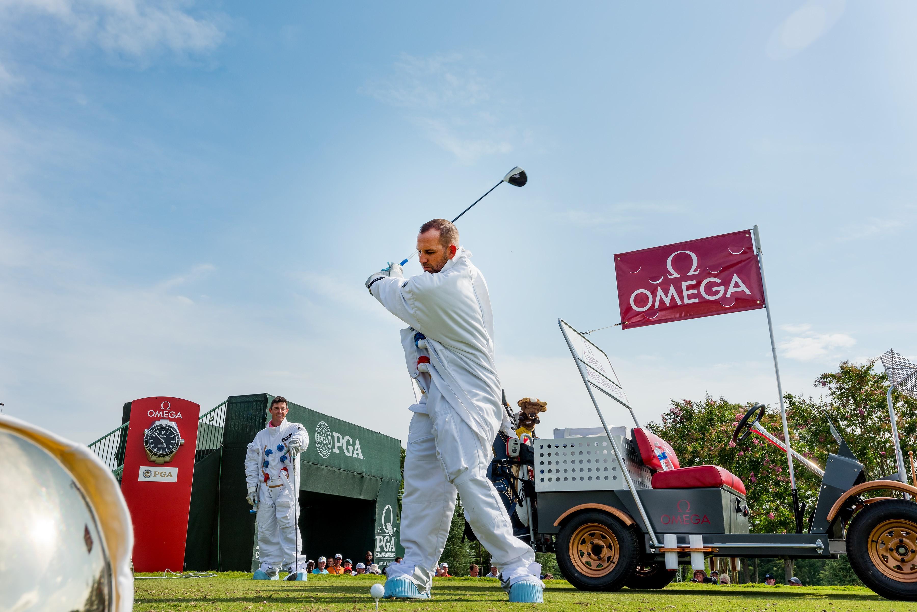 Sergio Garcia dá sua tacada durante a ação da Omega no PGA das Américas (Foto: Divulgação)