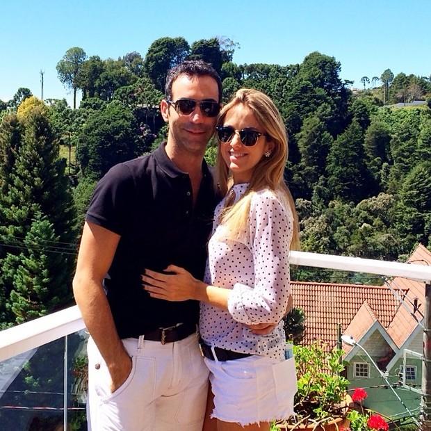 Ticiane Pinheiro e o namorado, o jornalista César Tralli (Foto: Reprodução do Instagram)