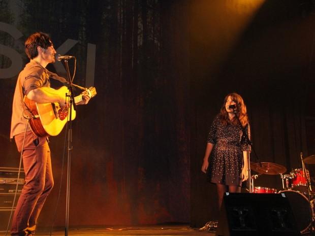 Clarisse Falcão no show do Tiago Iorc em SP (Foto: Leonardo Franco  / agnews)