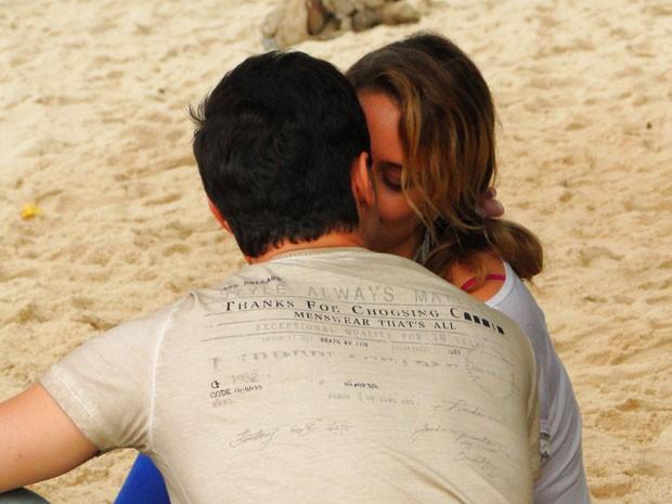 Inácio quer casar e ter filhos, Rosário ainda quer um tempo (Foto: Cheias de Charme / TV Globo)