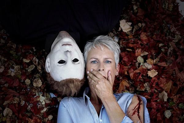 Jamie Lee Curtis e o maninho Michael Myers (Foto: Divulgação/Twitter)