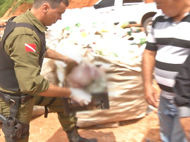 bebê é encontrado em saco plástico no lixão de perema (Foto: Reprodução/TV Tapajós)