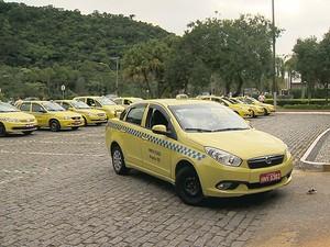 Táxis em Juiz de Fora (Foto: Reprodução/TV Integração)