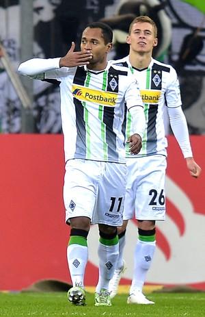 Raffael comemoração Borussia Monchengladbach (Foto: Agência AP )