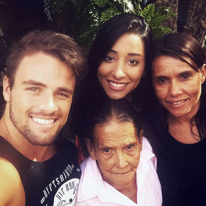 Rafael e Talita registram encontro com avó e mãe da ex-sister (Foto: Arquivo Pessoal)
