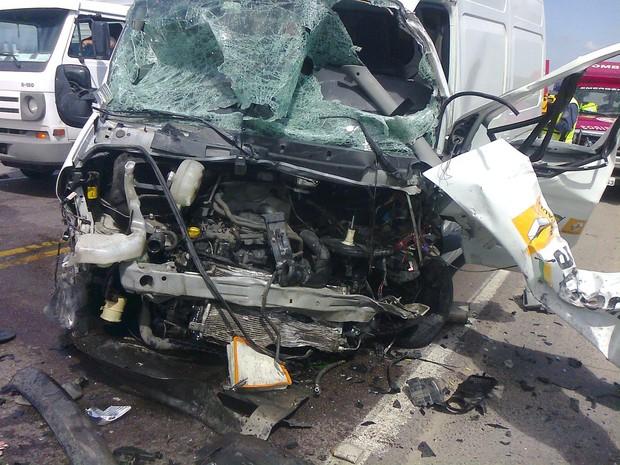 Acidente ocorreu entre Gaspar e Ilhota (Foto: Corpo de Bombeiros de Navegantes/Divulgação)