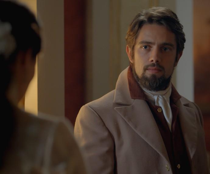 ... Mas o Conde não quer papo com a ex (Foto: TV Globo)