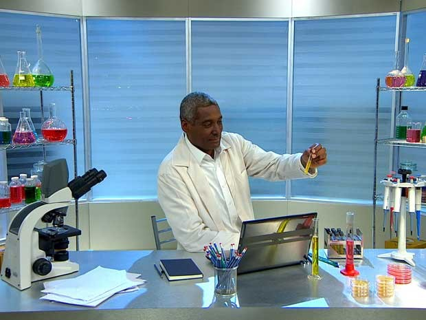 Dr. Marco Miguel, microbiologista do 'Santa Ajuda' (Foto: GNT)