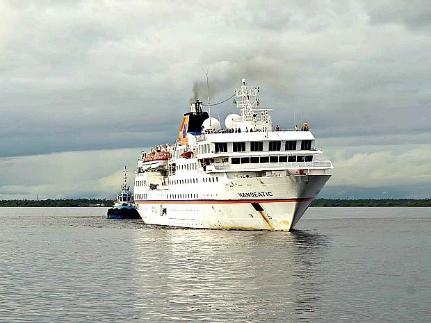 Chegada do M/S Hanseatic encerrou temporada de cruzeiros 2014/15 (Foto: Ingrid Anne/Manauscult)