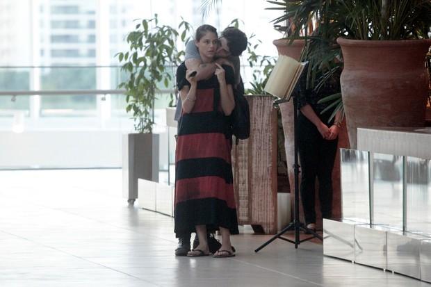 Chay Suede e Laura Neiva (Foto: Wallace Barbosa/AgNews)