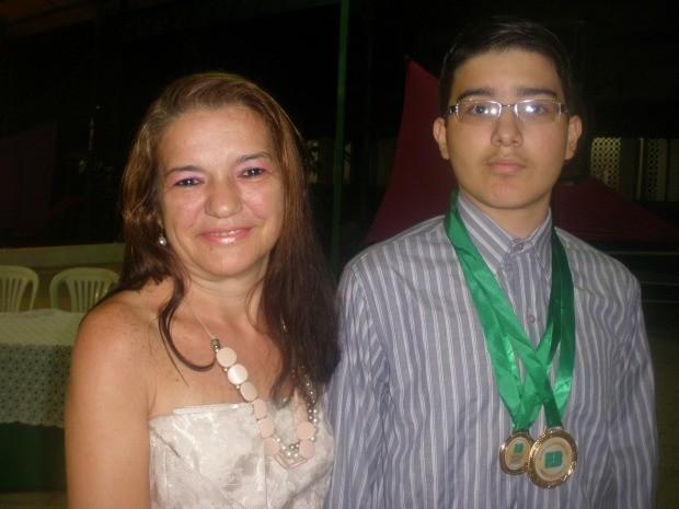 Tiago Santiago estudou de forma competitiva em 2012, quando tinha 14 anos e foi aprovado em medicina (Foto: Tiago Saraiva/Arquivo pessoal)