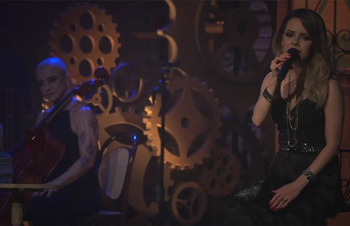 Sandy divulgou o vídeo de 'Me Espera' ao vivo  (Foto: Reprodução)