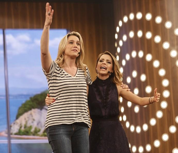 Fernanda Gentil canta com Sandy no 'Tamanho Família' (Foto: Isabella Pinheiro / Gshow)