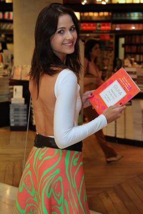 Luiza Valdetaro em lançamento de livro na Zona Sul do Rio (Foto: Anderson Borde/ Ag. News)