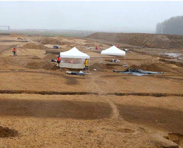 Local de escavação, situado a 120 km de Paris, capital da França (Foto: François Nascimbeni/AFP)